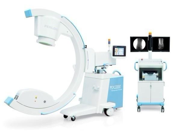 (普朗医疗品牌----移动三维C型臂X光机PLX7200)   PLX7200型移动式三维C型臂七大优势:   优势一、高品质数字化影像链,铸就准确、卓越图像品质   1、数字化高频高压发生器,采用微焦点,提供更高系统分辨率和几何清晰度。   2、X线管组件等核心部件为自主研发、生产,以专业的技术提供给您高品质X射线源。   优势二、专业影像采集、处理系统,达到医院高水平诊断要求   1、全数字化图像采集、处理系统,为您提供高清影像,支持您做出准确诊断。   2、百万像素以上的数字图像存储;12bit采